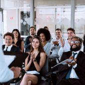 Dia do trabalho: 7 campanhas de comunicação interna inspiradoras